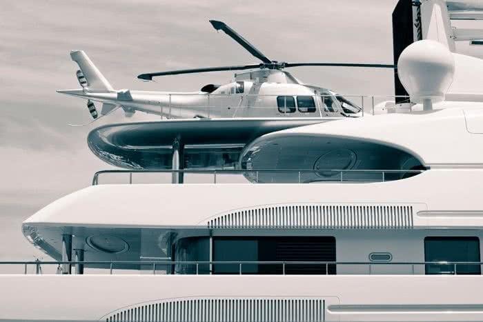 cruceros y mega yates